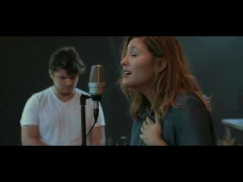 Paz Aguayo - Aun en Medio del Dolor ( Even When it Hurts en español - Hillsong United )
