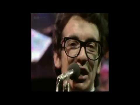 Elvis Costello And The Attractions - Radio Radio (Live) (Lyrics)