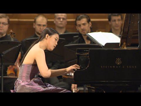 Mozart  Piano Ccerto No 21, K467  Yeol Eum S