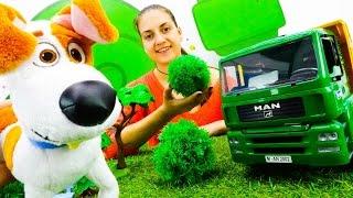 Видео про машины и игрушки для детей: парк для Макса