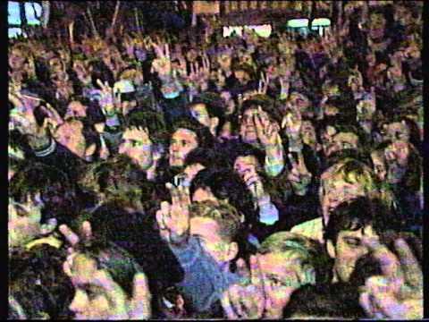 Late night Central links plus ITN news bulletin circa 1989 Dubcek in Czechoslovakia