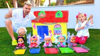 Алиса и её новый домик для кукол