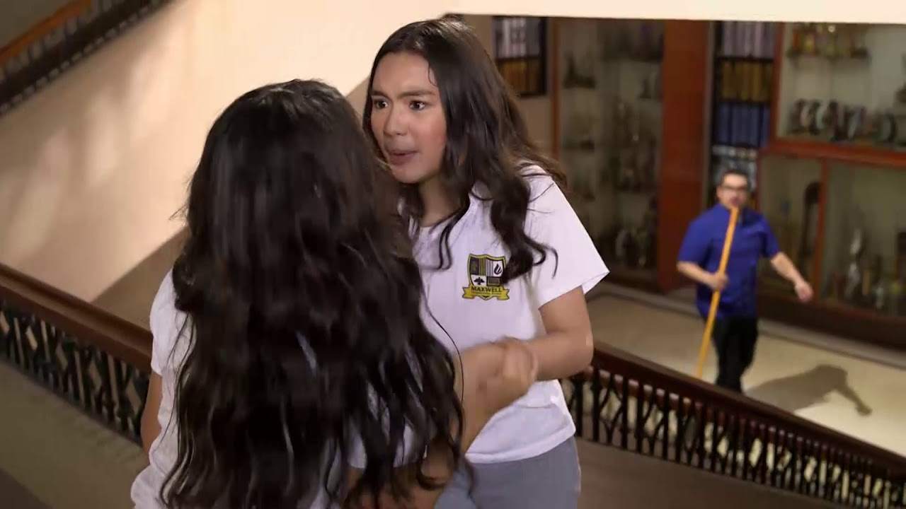 Download Marga and Cassie fall down stairs!   The Heiress   Episode 39 English