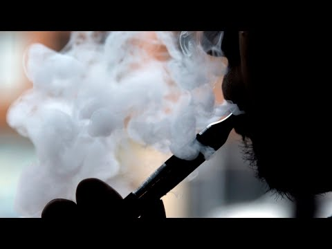Health minister says federal, state govts will tackle vaping together thumbnail