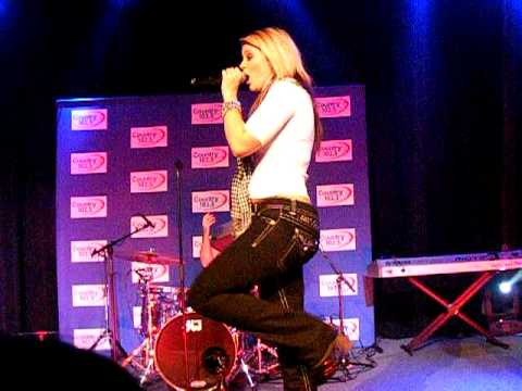 Lauren Alaina - Funny Thing About Love clip - 10/27/11 Foxboro, MA mp3