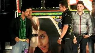 Salman Khan does the Dhinka Chika dance at Ready music launch