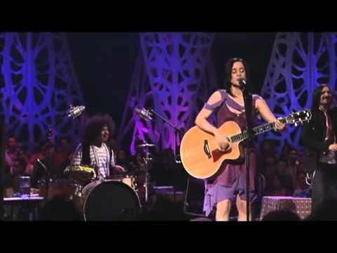 Julieta Venegas  Algo está Cambiando MTV Unplugged