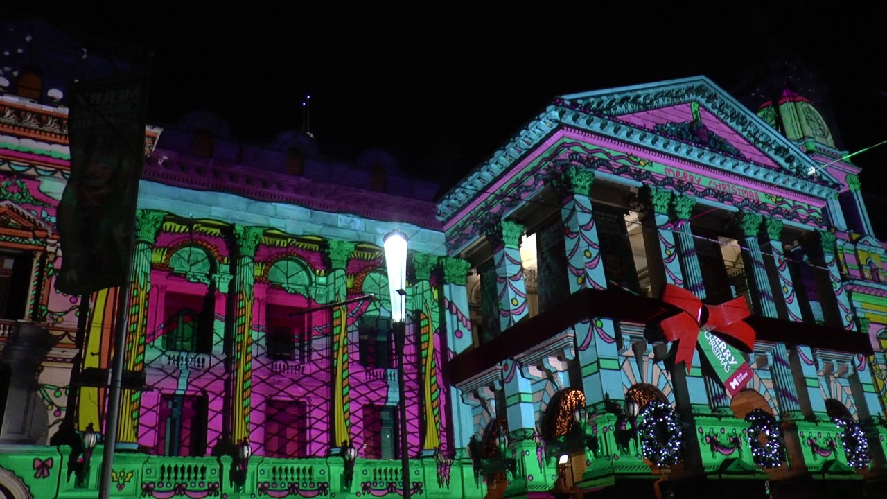 christmas 2016 melbourne town hall christmas light show with music and trams