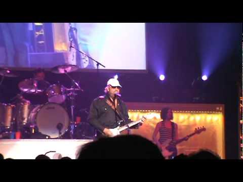 "Hank Williams Jr. ""Kawliga"" Live"