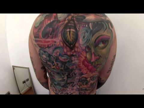 tatuaje espalda hecho por alvaro hernandez