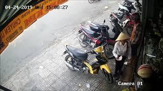 camera ghi lại được cảnh ăn trộm xe máy ở quận 12
