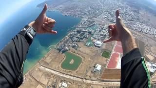 צניחה חופשית מעל אילת יחד עם רחלי קיסוס Skydive.co.il