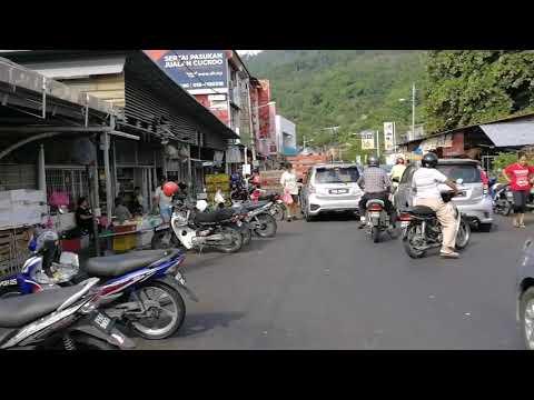 Road going to Kek Lok Si Temple in Air Itam
