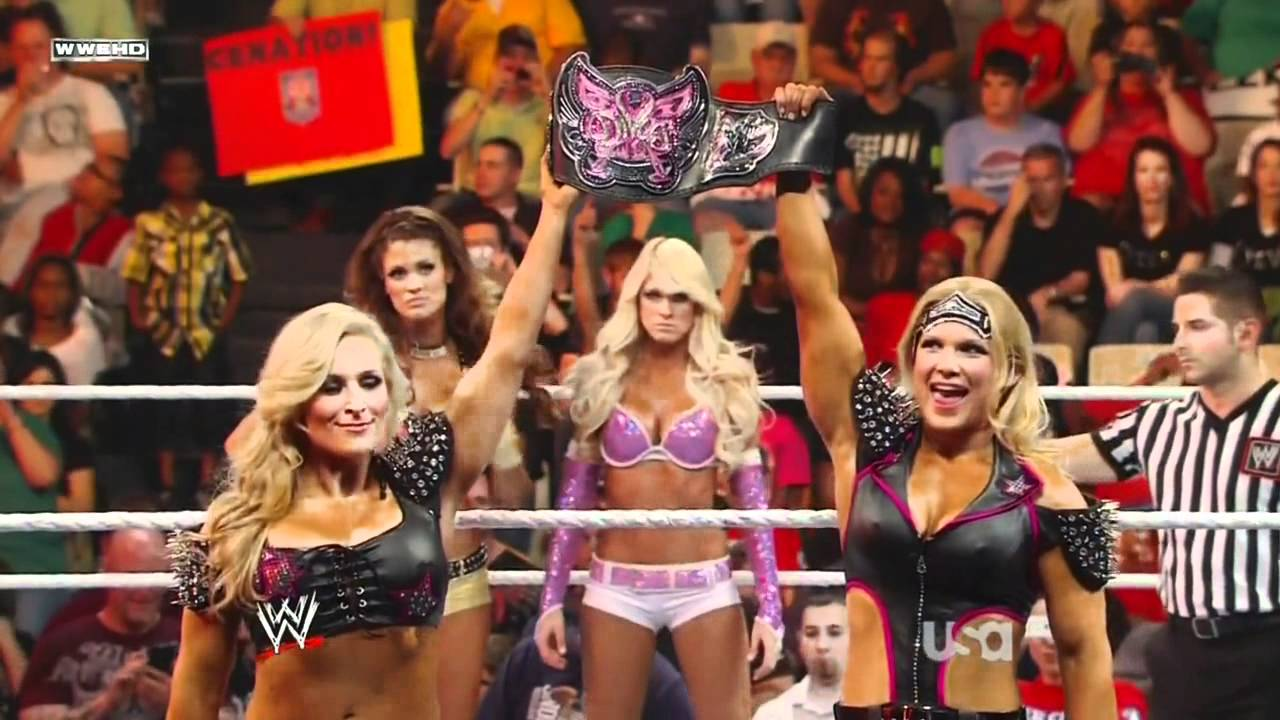 Natalya Officially Challenges WWE Hall Of Famer Beth Phoenix To A Match 1