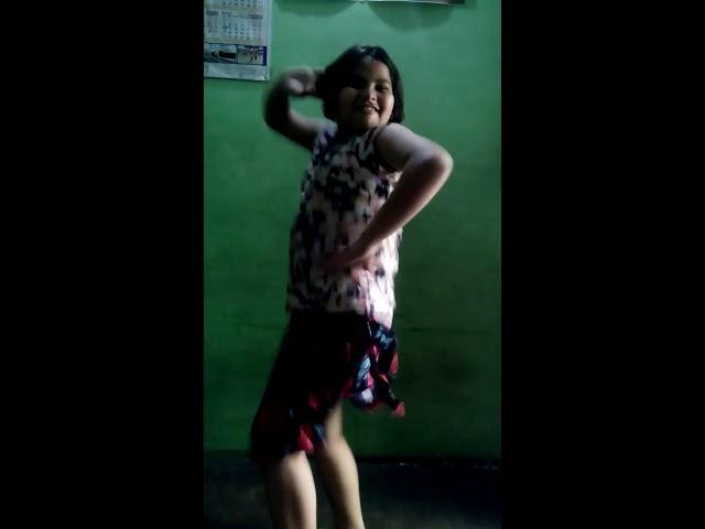 Sapna chaudhary ko dance m kara piche ...
