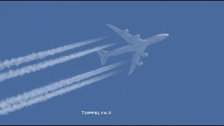 Airplanes in their natural habitat Impressive Contrails