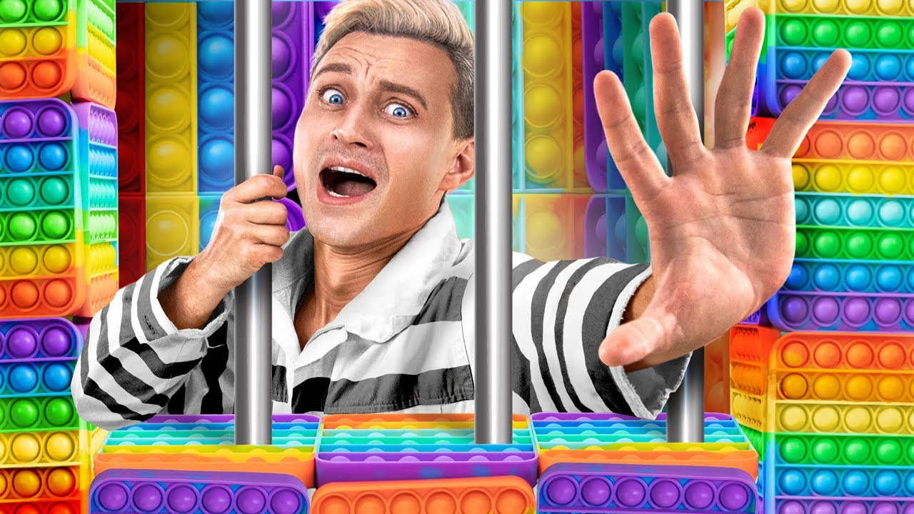 How to Become Popular in Jail! / How to Sneak Pop IT in Jail!