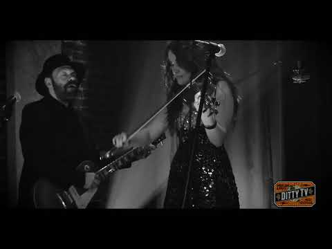"Sierra Noble performs ""Fiddle Jam ft. Colin Linden"" on Ditty TV"