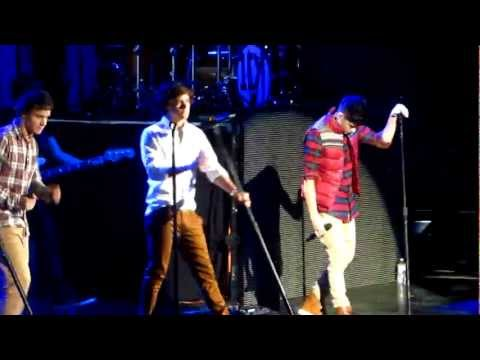 One Direction - Use Somebody Live in Fairfax
