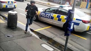 شاهد: لحظة اعتقال مشتبه بهم في الهجوم الارهابي على مسجدين في نيوزيلندا…