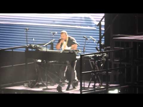 Timbaland at Jay-Z concert (Live in Paris)