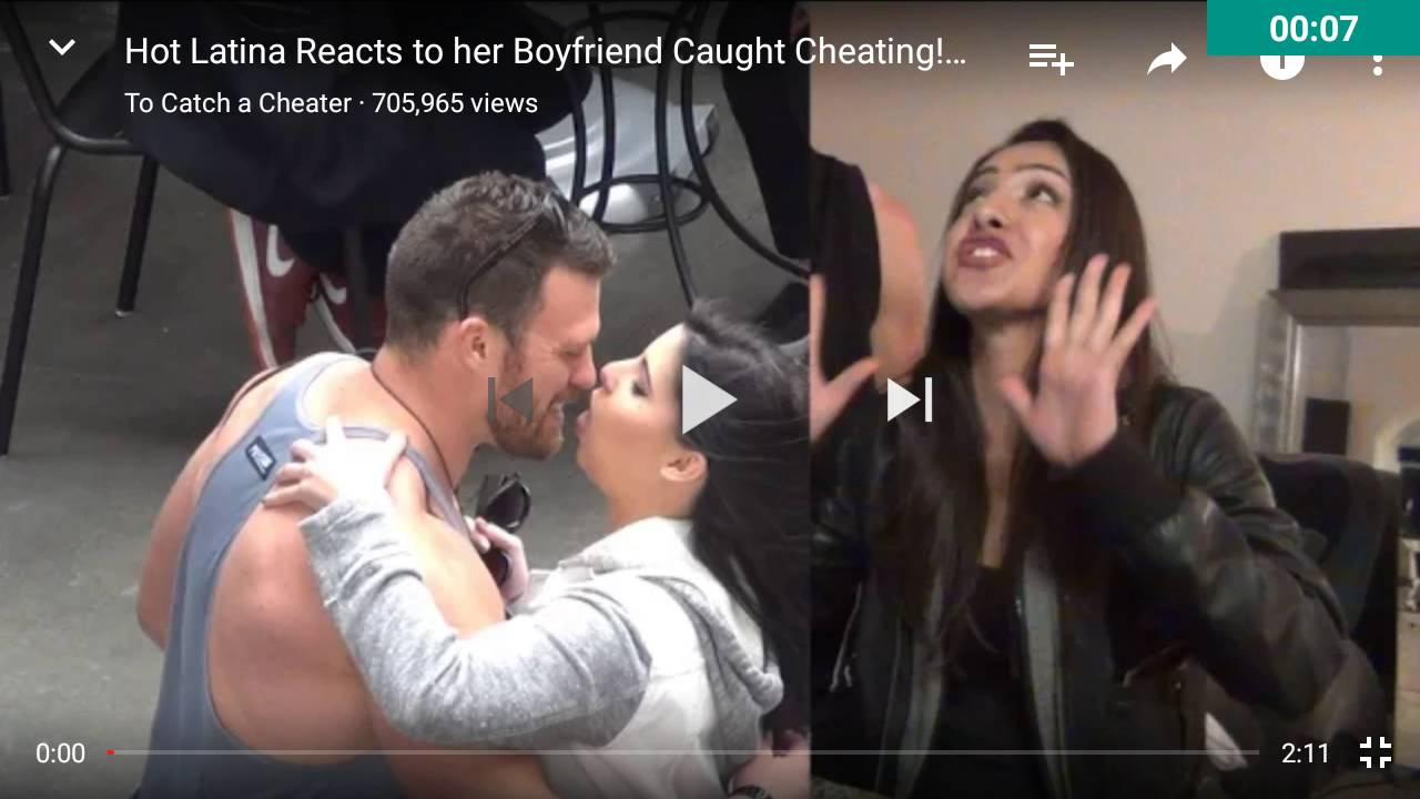Latina finds out her boyfriend was going to cheat on her reaction