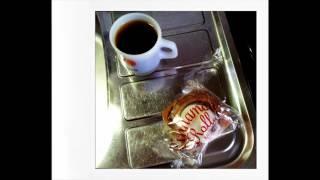 珈琲タイムは大事です。 一息するの大事。 おやつも大事。(たまにwithおにぎり) ☆彡おすすめ珈琲withおやつ☆彡 ○カルディーの冷凍シナモン...