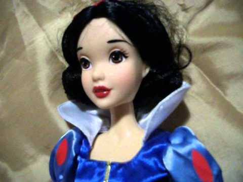 poup e blanche neige disney chantante singing doll snow white youtube. Black Bedroom Furniture Sets. Home Design Ideas