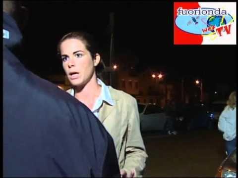 TG5: COSTANZA CALABRESE, FUORIONDA ESCLUSIVO thumbnail