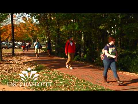 UNC Charlotte Students Enjoy The Fall Weather