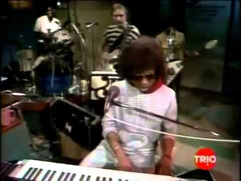 02-21-1983 Letterman Sandra Bernhard, Sly Stone Trio