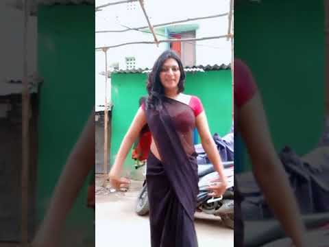 Sexy girl awesome saree show
