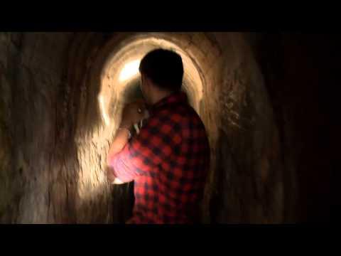 Проклятый камень (2012) трейлер на KinoFinder.Net