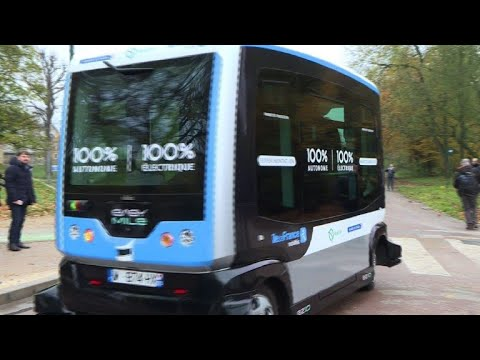 Driverless shuttle service being tested in Paris