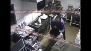 В Волгограде насильник напал на официантку кафе