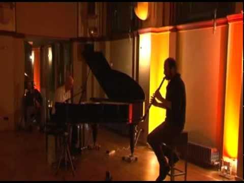 intuitive Klangzeit  - music improvisation Kinan Azmeh & Mitsch Kohn - gotischer Saal Berlin