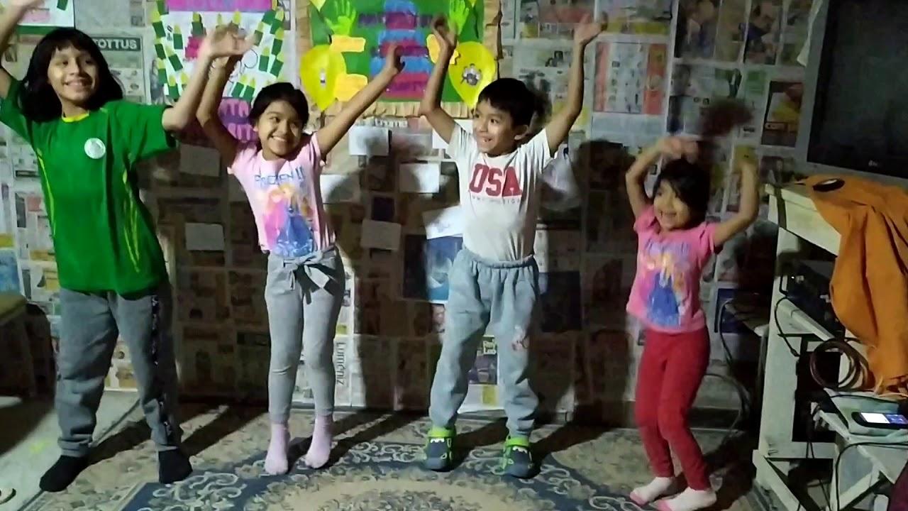 Bailando con mi sobrina - YouTube