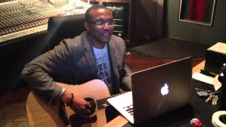 "Jonathan McReynolds sings ""I Love You"""