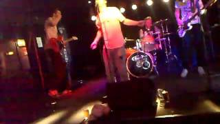 """Painted Devil plays """"Best in Show"""" at pub anchor, stockholm.mp4"""