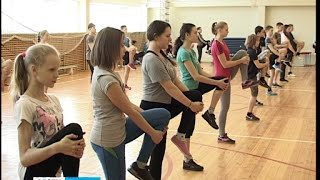 Сильнейшие атлеты Карелии провели урок физкультуры в петрозаводской школе