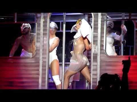 Lady Gaga - LoveGame [The Monster Ball @ Malmö Arena, 19/11, 2010] HD