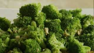 How To Make Broccoli With Garlic Butter And Cashews