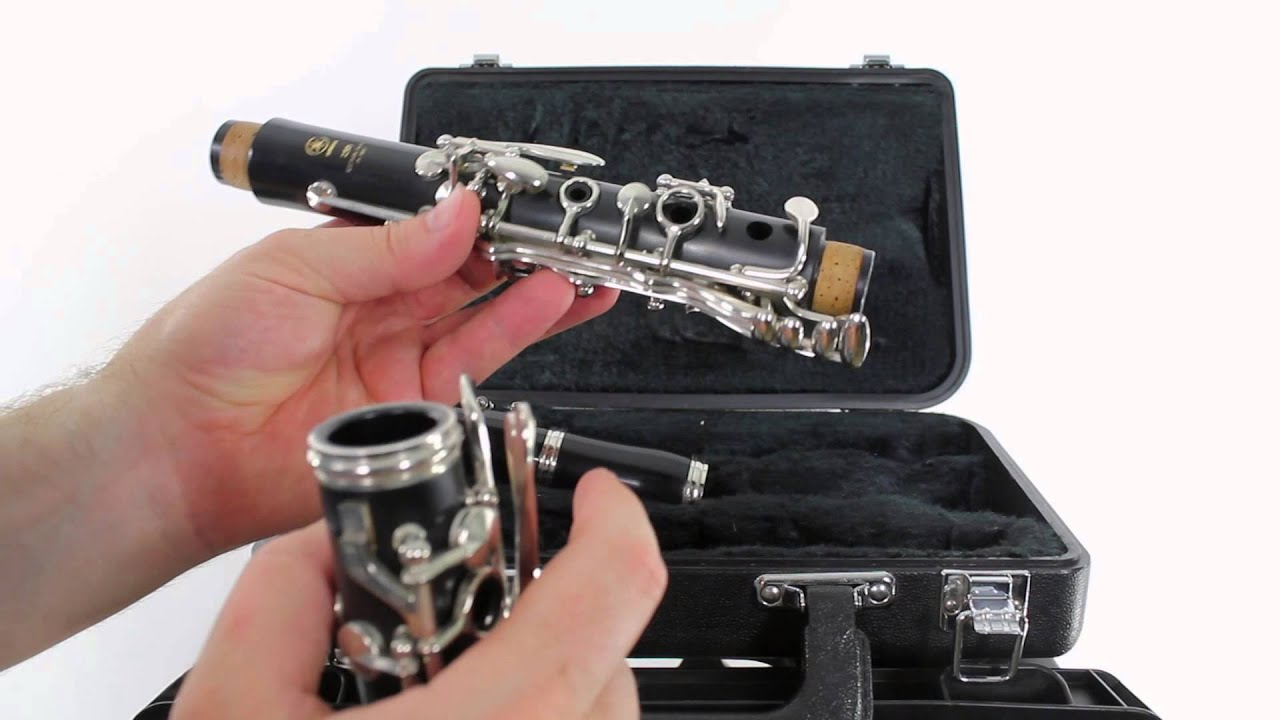 Clarinet Beginner Lesson 3 - How to put together (assemble) the clarinet