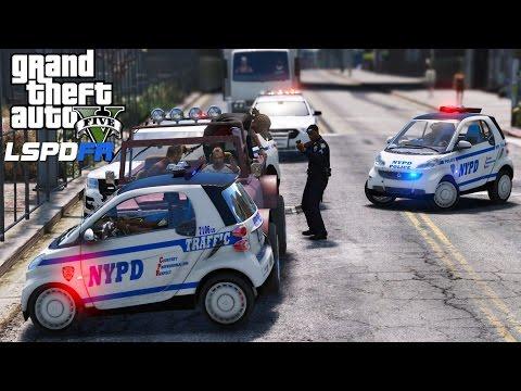 GTA 5 LSPDFR Police Mod 382 | NYPD Smart Car Vs Trevor Philips | Size Doesn't Matter!