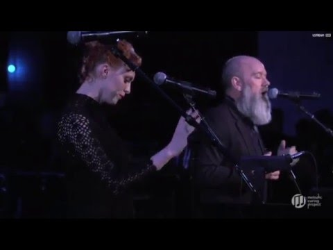 Michael Stipe & Karen Elson - Ashes to Ashes (David Bowie cover)