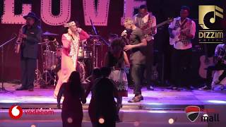 ASLAY NA NANDY: Wakiimba 'Kivuruge' Live Jukwaani