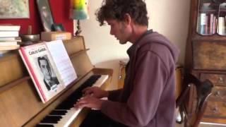 Henk Bruinsma zingt