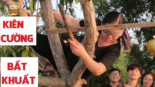 Khương Dừa muốn xỉu với cô gái mới sinh leo cây đập heo bất chấp| Bịt Mắt Đập Heo #5