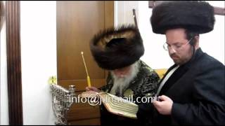 Chanukah 5773 With Karlsburg Rebbe R' Yechezkel Roth