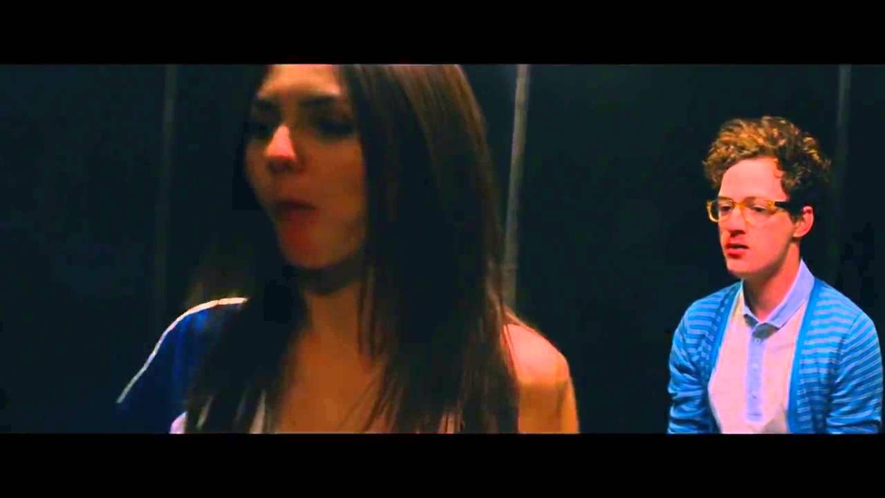 Victoria Justice Hot Kiss